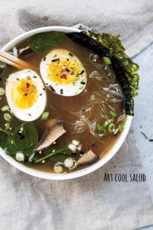 sopa miso con shiitake y fideos de arroz